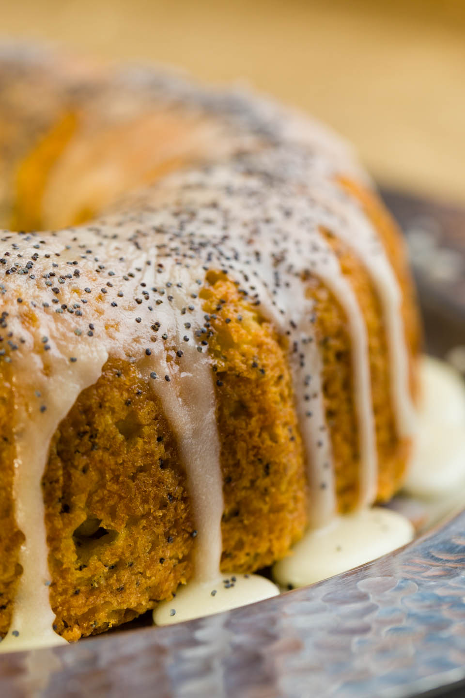 Lemon poppy seed bunt cake