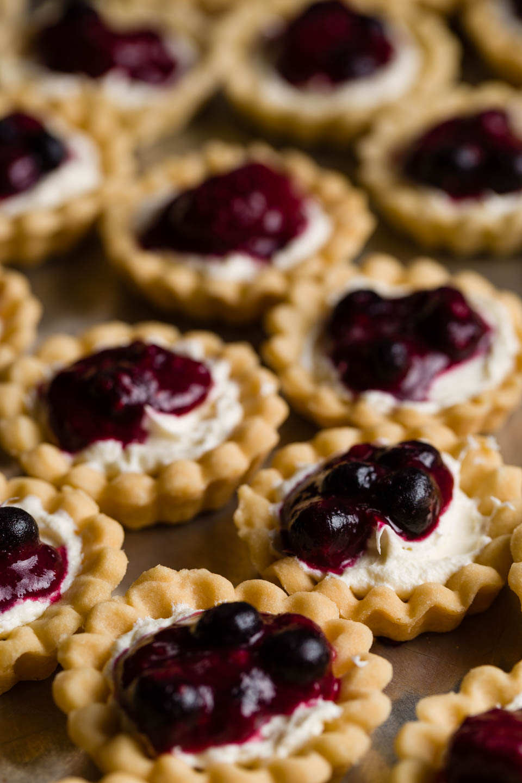 Blueberry tart horderves