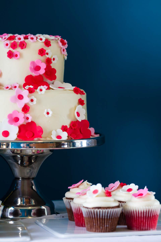 Wedding cake and wedding cupcakes
