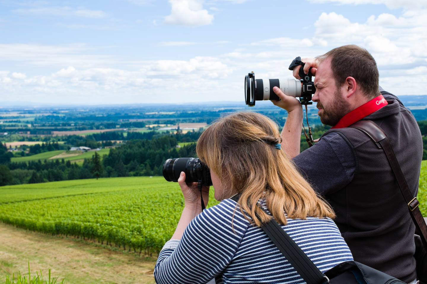 Nicolesy and Brian photograph the countryside
