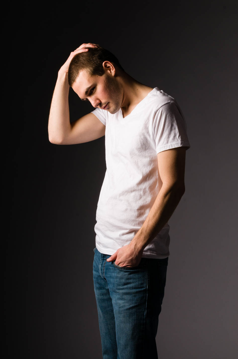 Simple white t-shirt and jeans for this series of photos