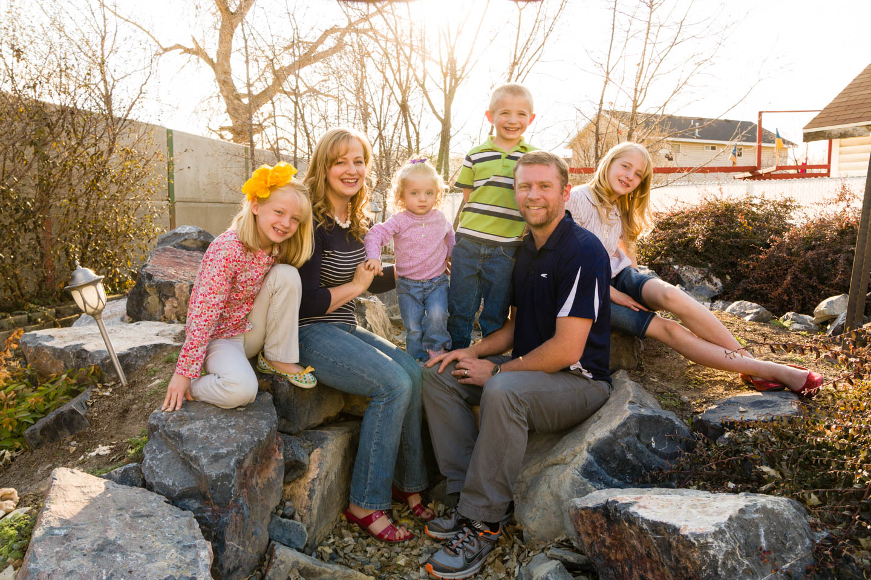 Melanie and Joe with their 4 kids
