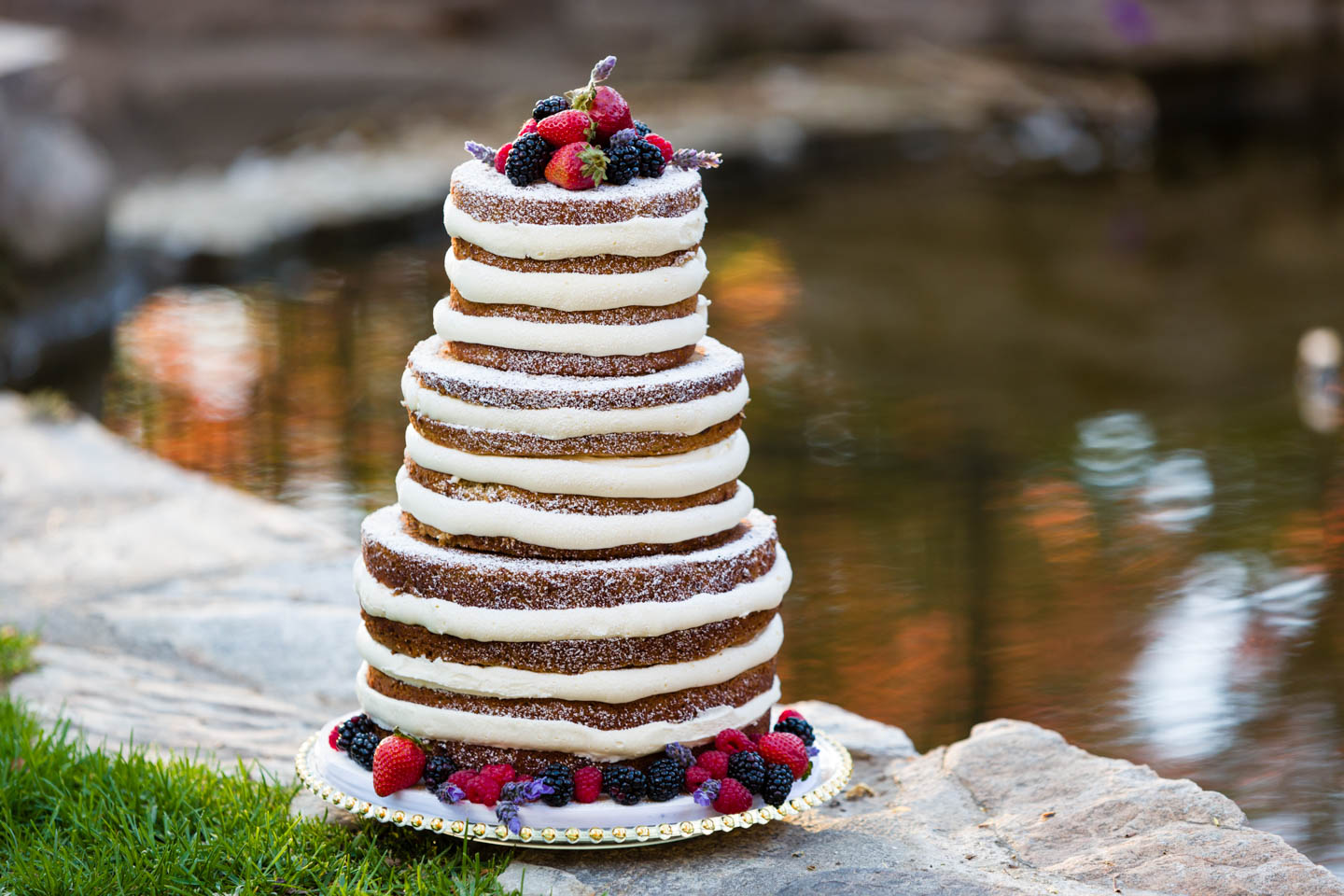 Naked wedding cake. I so wanted to eat this one.
