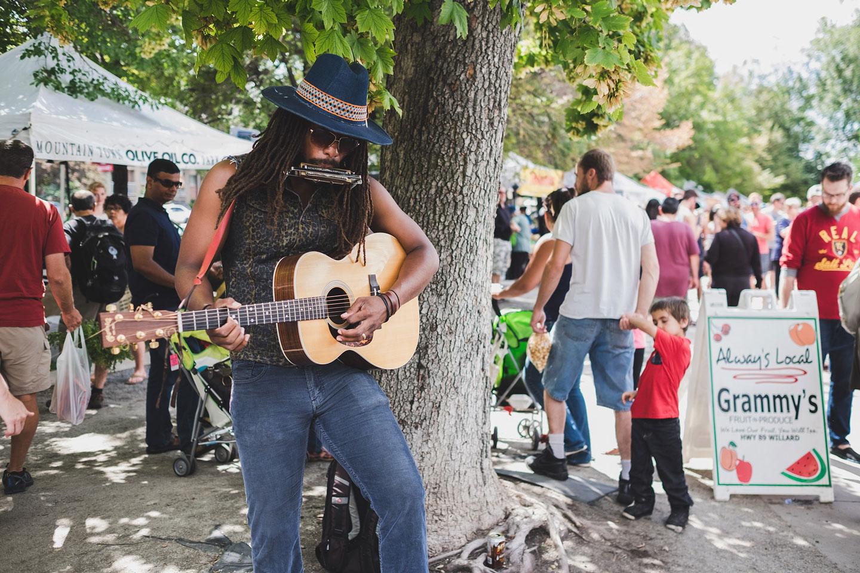 Guitarist at the Salt Lake  Farmers Market