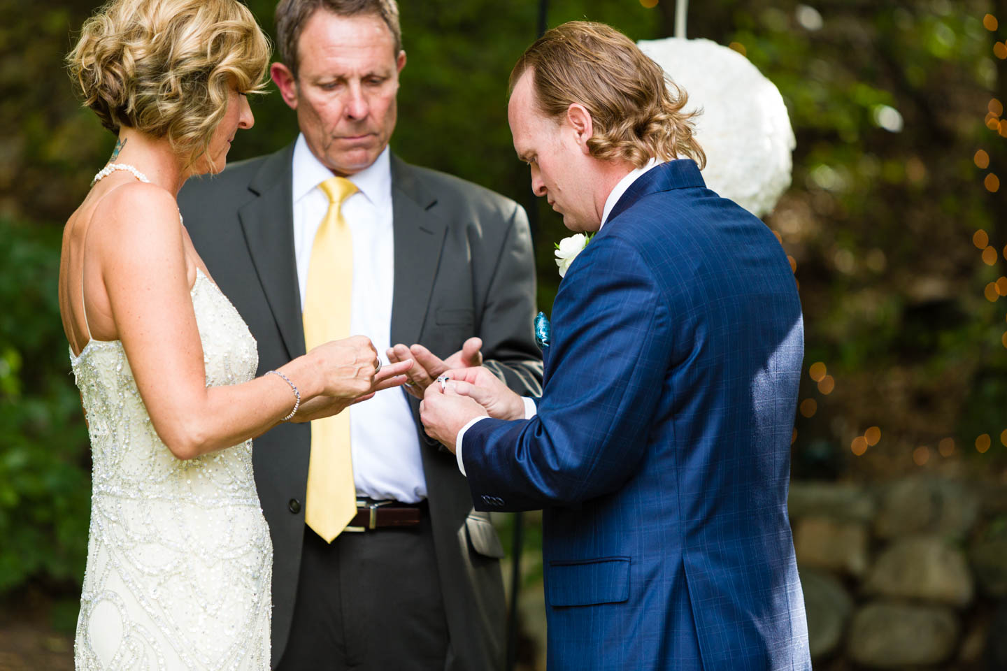 Exchanging the wedding rings