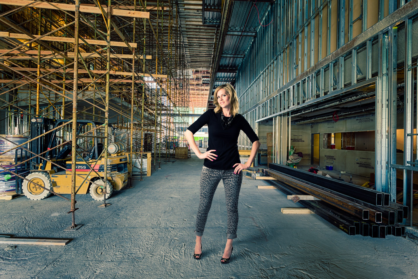 Fashion in a construction zone thanks to Photoshop