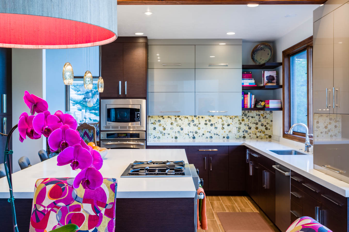 Finding different views of the kitchen